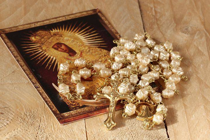 the-rosary-is-a-Catholic-prayer.jpg