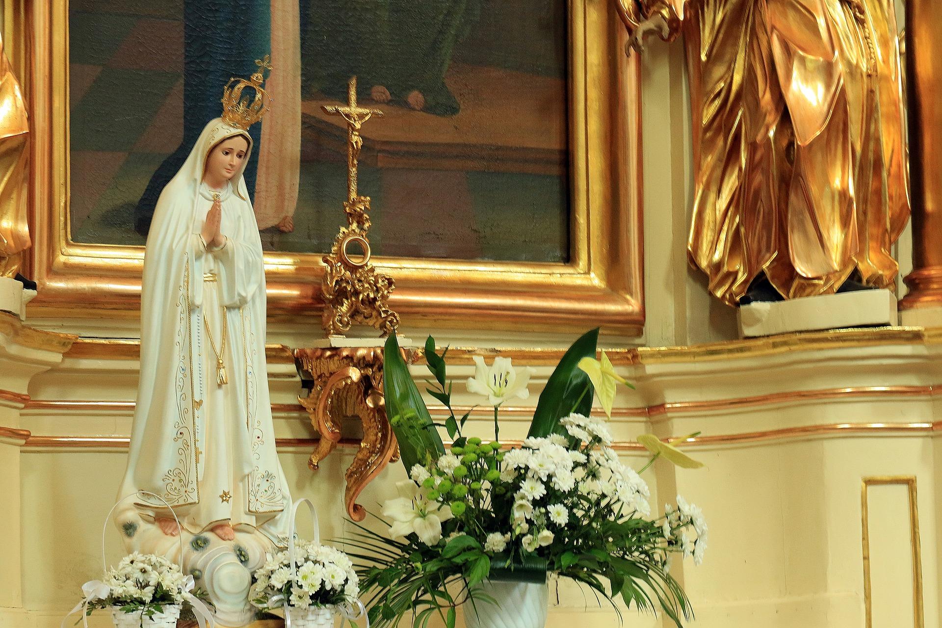 Holy-Mary-of-Fatima