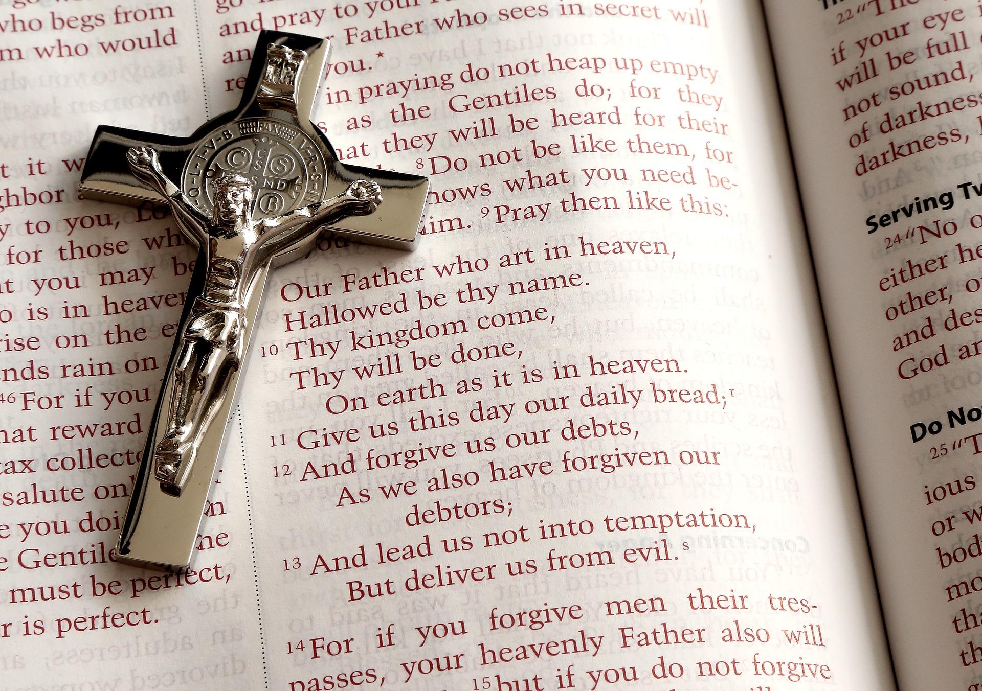 Crucifix Metal on Bible