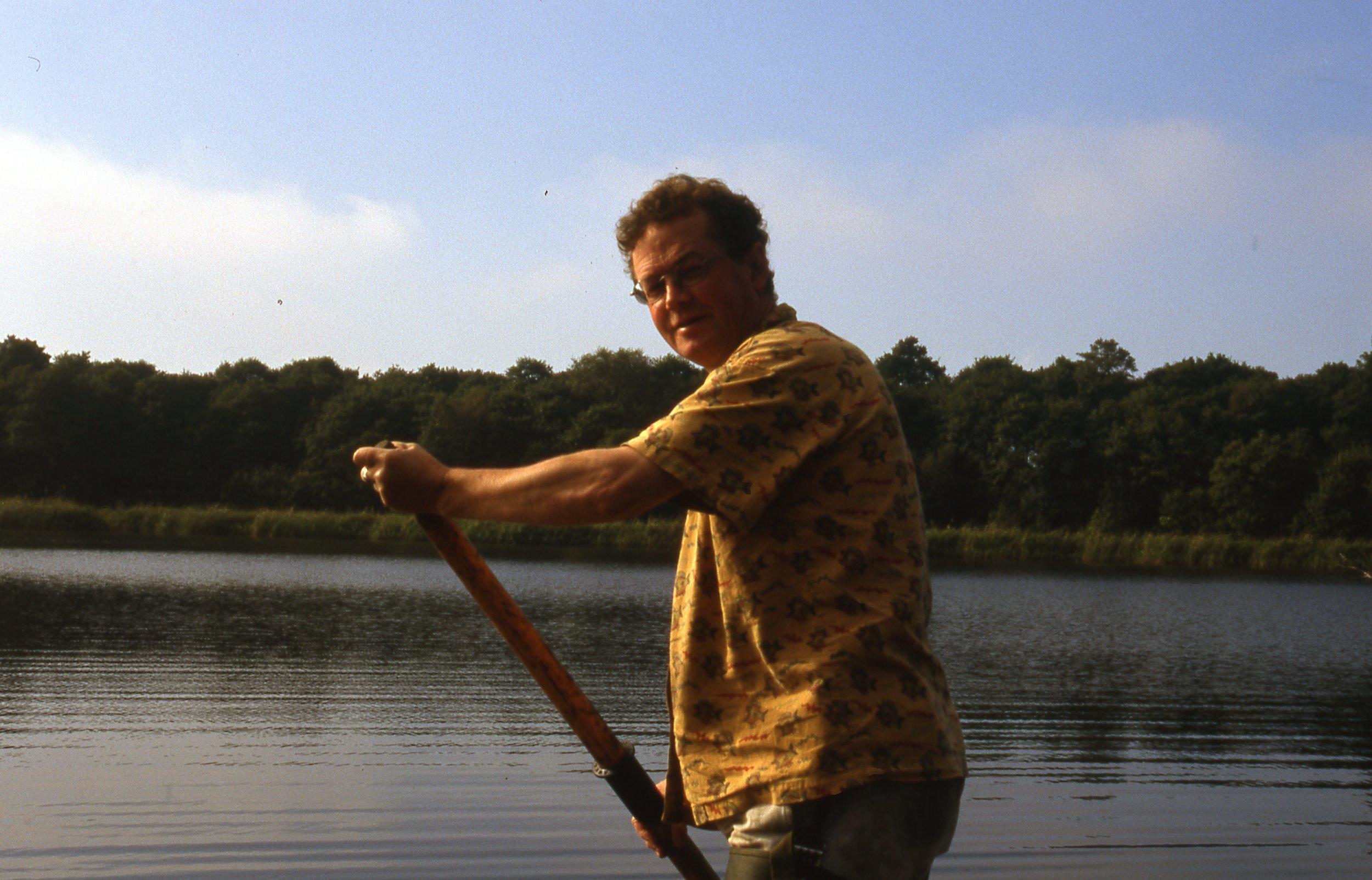 Me Punting - Alderfen Broad - 1st Oct 2000.jpg