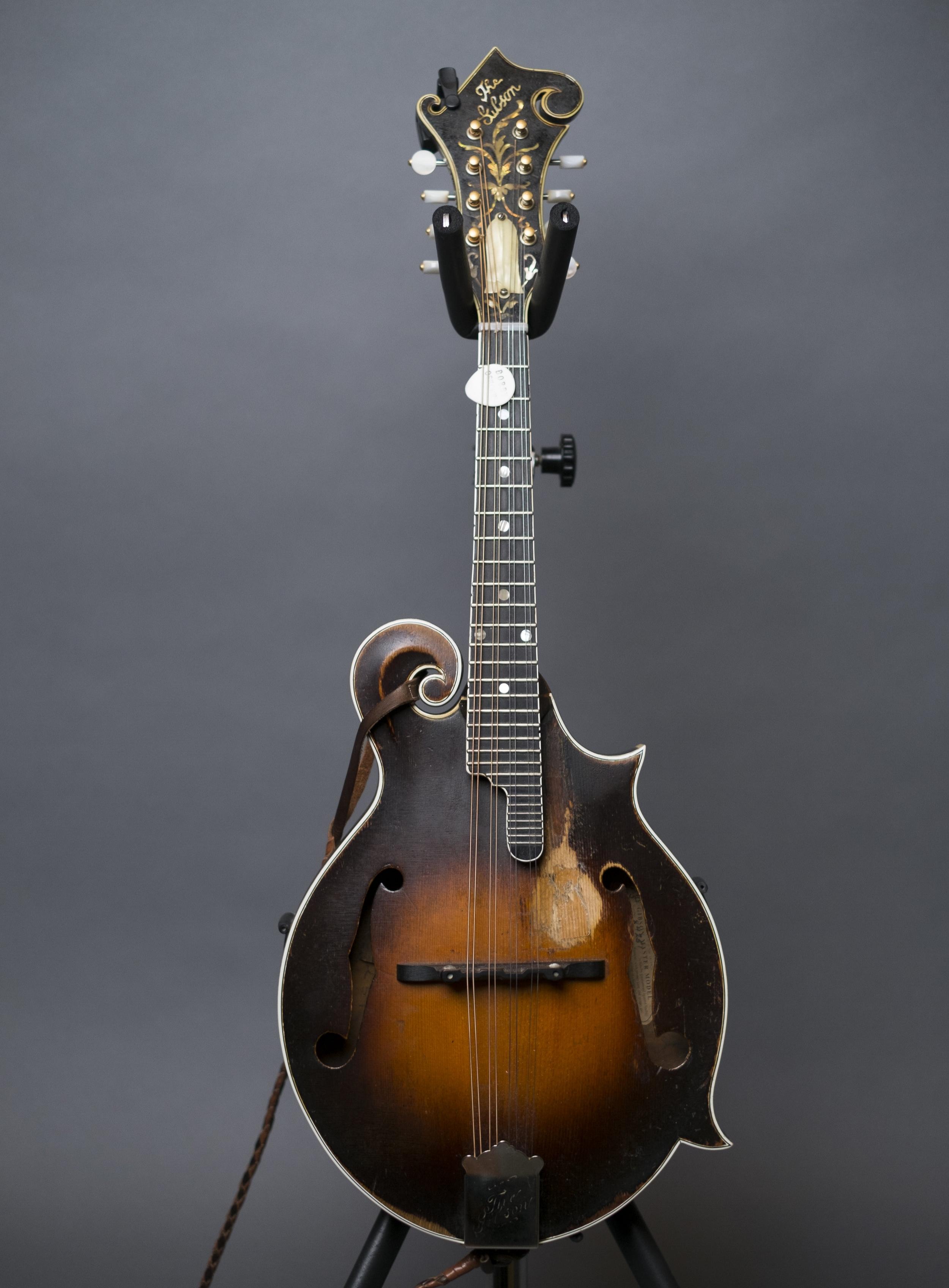 Bobby Osborne's 1925 Gibson F5