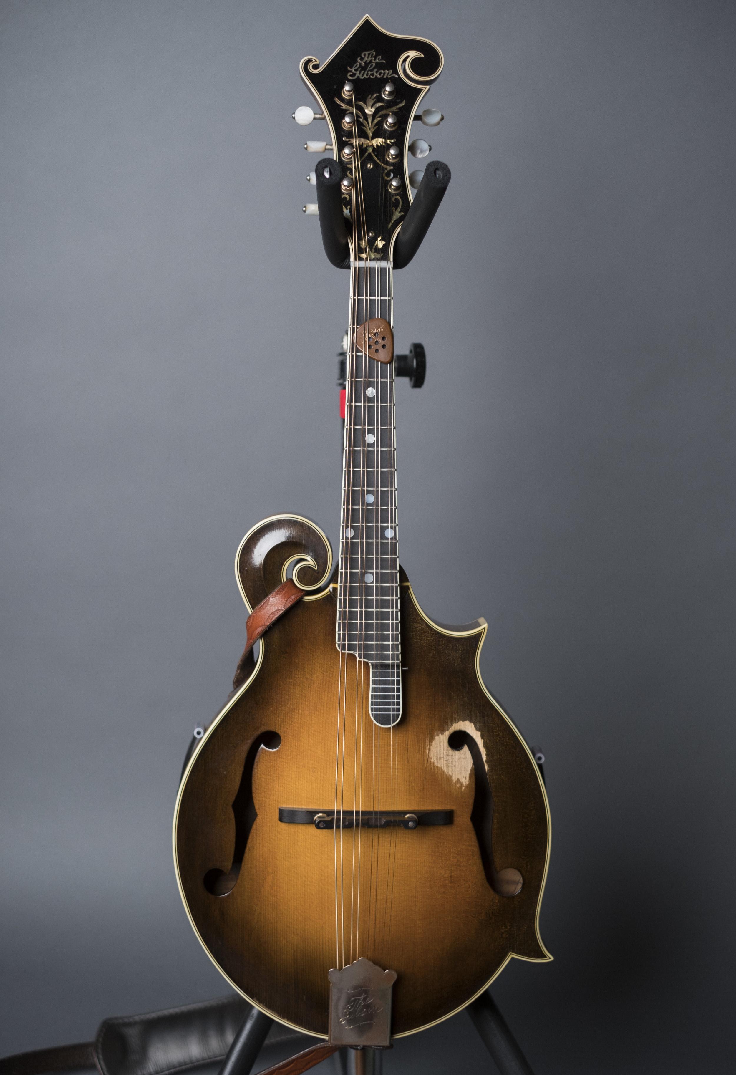 Ricky Skagg's 1922 Gibson Loar F5