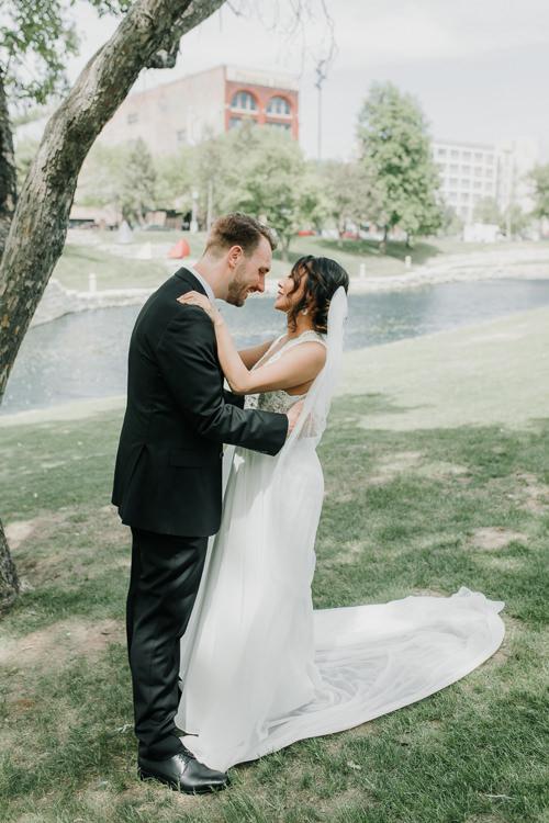 Caitlin & Jeff - Married - Nathaniel Jensen Photography - Omaha Nebraska Wedding Photography - Omaha Nebraska Wedding Photographer-200.jpg
