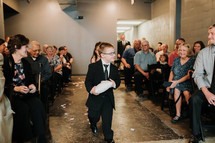 Caitlin & Jeff - Married - Nathaniel Jensen Photography - Omaha Nebraska Wedding Photography - Omaha Nebraska Wedding Photographer-307.jpg
