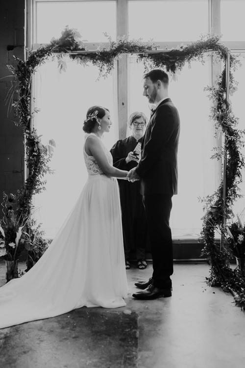 Caitlin & Jeff - Married - Nathaniel Jensen Photography - Omaha Nebraska Wedding Photography - Omaha Nebraska Wedding Photographer-350.jpg