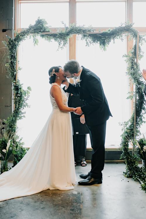 Caitlin & Jeff - Married - Nathaniel Jensen Photography - Omaha Nebraska Wedding Photography - Omaha Nebraska Wedding Photographer-353.jpg