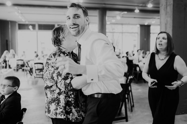 Caitlin & Jeff - Married - Nathaniel Jensen Photography - Omaha Nebraska Wedding Photography - Omaha Nebraska Wedding Photographer-396.jpg