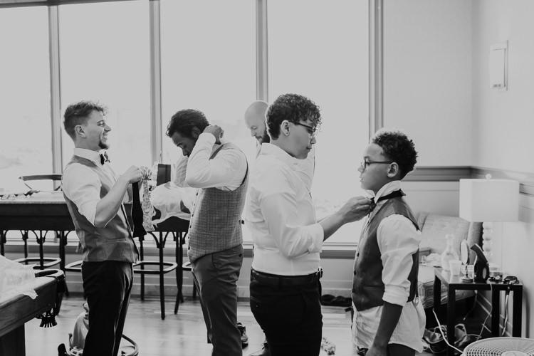 Jazz & Savanna - Married - Nathaniel Jensen Photography - Omaha Nebraska Wedding Photography - Omaha Nebraska Wedding Photographer-63.jpg
