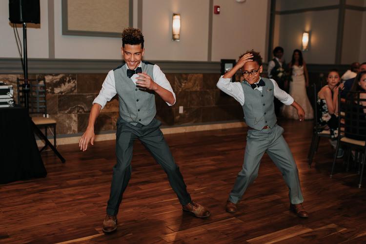 Jazz & Savanna - Married - Nathaniel Jensen Photography - Omaha Nebraska Wedding Photography - Omaha Nebraska Wedding Photographer-399.jpg