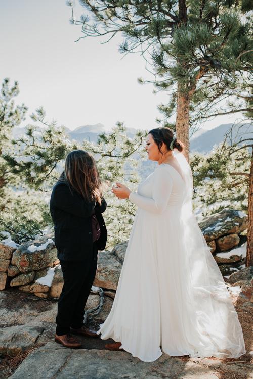 Isabel & Arien - Married - Nathaniel Jensen Photography - Omaha Nebraska Wedding Photograper-152.jpg