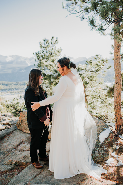 Isabel & Arien - Married - Nathaniel Jensen Photography - Omaha Nebraska Wedding Photograper-162.jpg