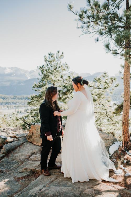 Isabel & Arien - Married - Nathaniel Jensen Photography - Omaha Nebraska Wedding Photograper-164.jpg