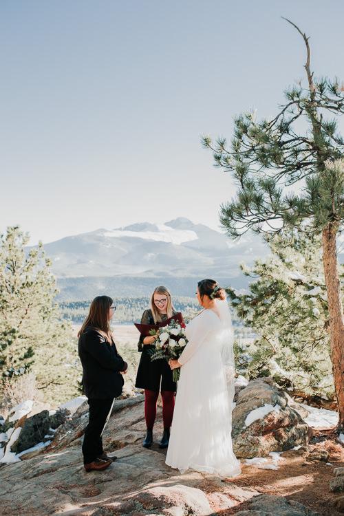 Isabel & Arien - Married - Nathaniel Jensen Photography - Omaha Nebraska Wedding Photograper-175.jpg