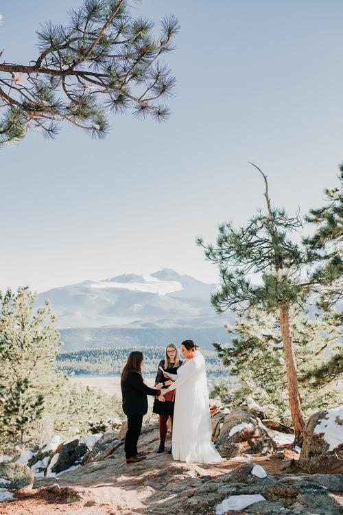 Isabel & Arien - Married - Nathaniel Jensen Photography - Omaha Nebraska Wedding Photograper-189.jpg