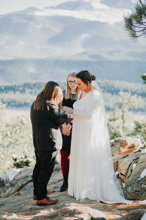 Isabel & Arien - Married - Nathaniel Jensen Photography - Omaha Nebraska Wedding Photograper-195.jpg