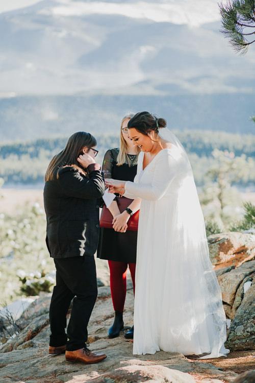 Isabel & Arien - Married - Nathaniel Jensen Photography - Omaha Nebraska Wedding Photograper-197.jpg