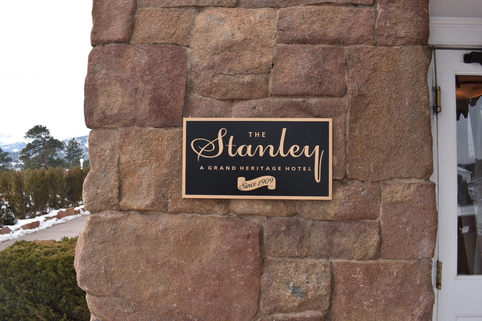 Stanley - 1.jpg