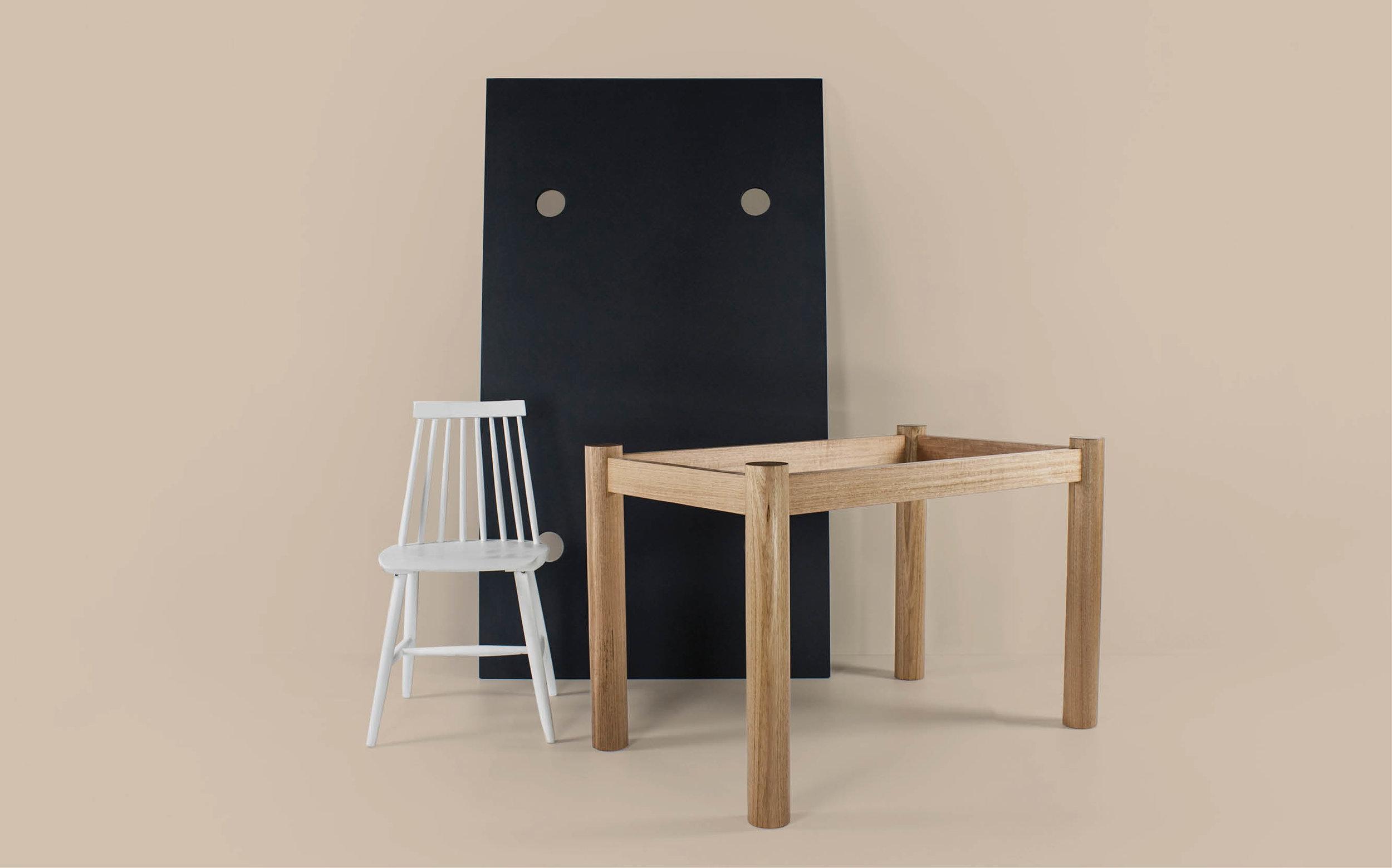 Anna Table -