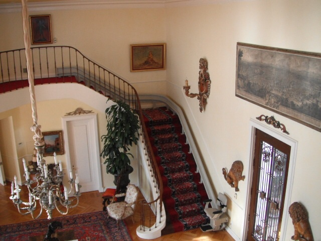 Why People are Choosing These Stair Lifts