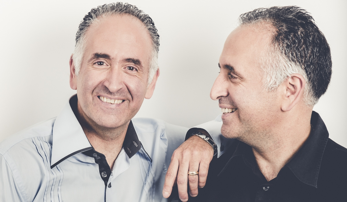 Deux As parmi les Rois : Claude et Laurent Mamou, Les Jumeaux Magiciens.