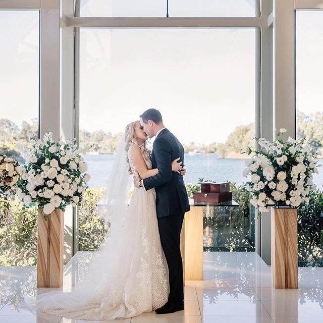 Glass chapel goals at @interconsanc 😍 This beautiful chapel overlooks the water and even sometimes guests can spot dolphins whilst waiting for the bride! 💕 . . . . #weddingvenues #goldcoast #hitched