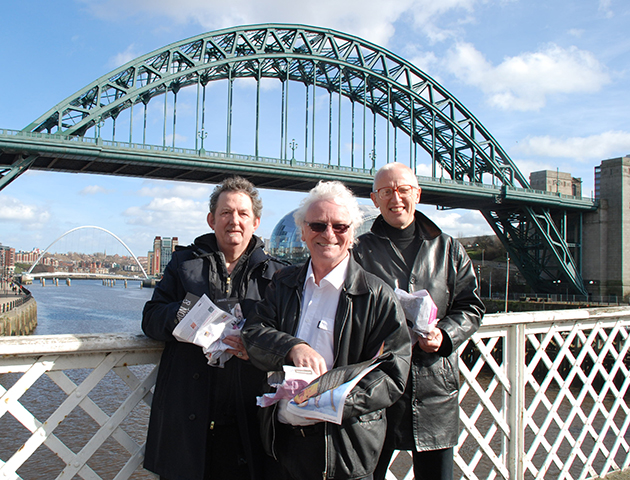 Chris Phipps 'n Fish 'n Chips (!) with Billy Mitchell and Ray Laidlaw in photo shoot to promote our  Night On The Tyne  river cruise.