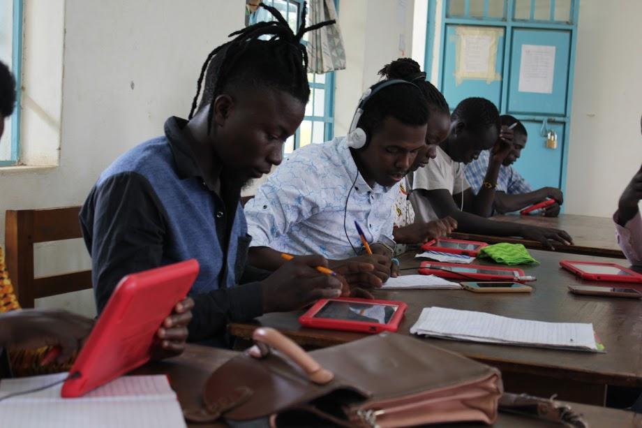 Sky School students at work at Kakuma Camp (Kenya).