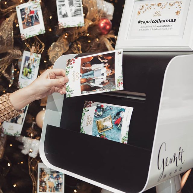 [Gemit ft. 品牌]- Capricolla Snap-Tag-Print & Repeat 🙋🙋🙋 . #簡單123 #即時印好好玩 #派對神器 #品牌活動 #行銷好手 #capricolla #goodshots #proteinshake #brandevent #igprinter #chicas #ladiesfun #eastendbar #taipeiparty  #eventtools #eventideas #goodmoments #selfies #snap #bartender  #taipeievent #cocktail #eventprinting #capricollaxmas #xmasdecor #xmasevent #branding #marketingtools #taipeibars #hightea