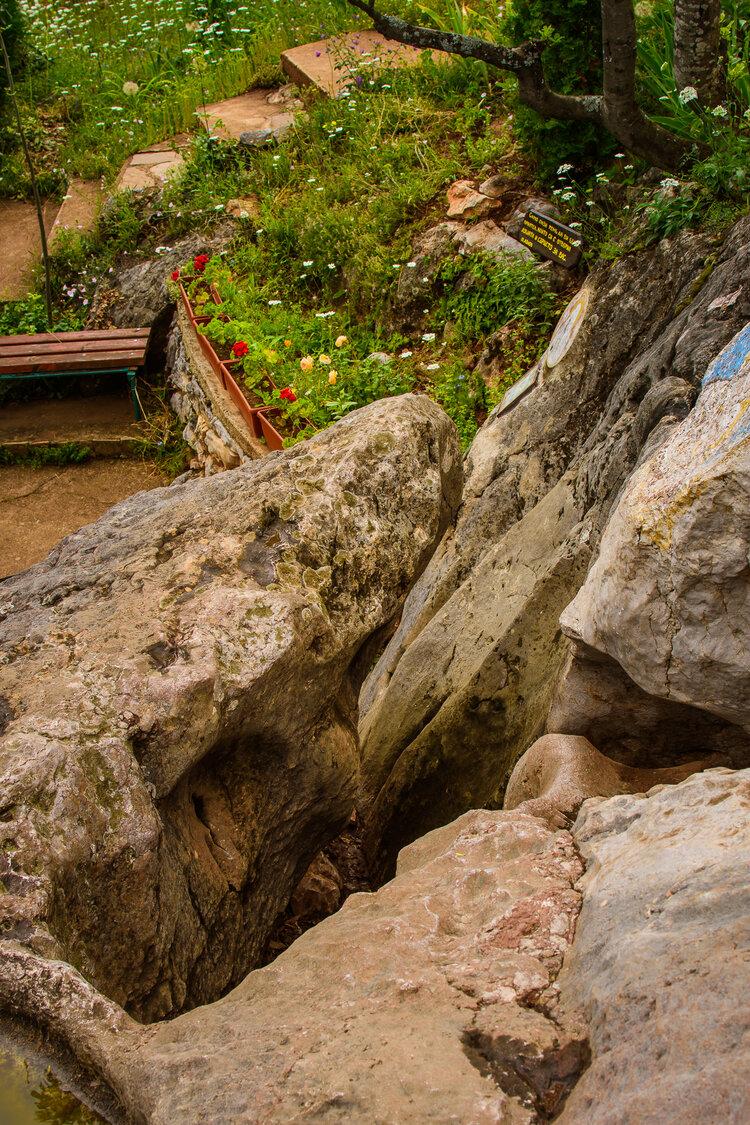 Провиралката на Богородична стъпка край Старозагорските минерални бани