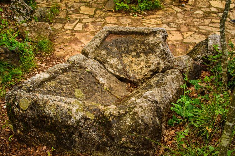 Саркофагът на Богородична стъпка