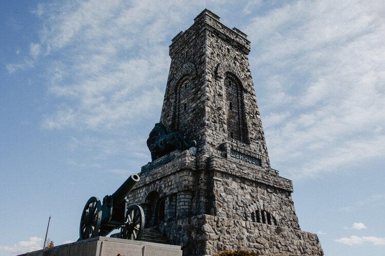 Паметникът на Шипка и върхът на Свободата