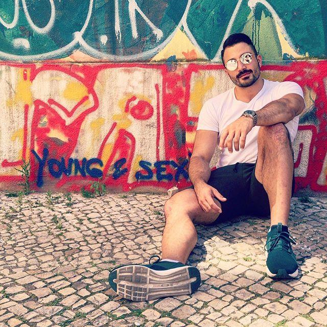 Young & Sex(y) . . . . . #portraitmode #portrait #lisbon #lisboa #portugalalive #portugal #sunnyday #summertimeshine #beautifulday #youngandsexy #manstyle #culture #historic #portuguesetiles #portuguese