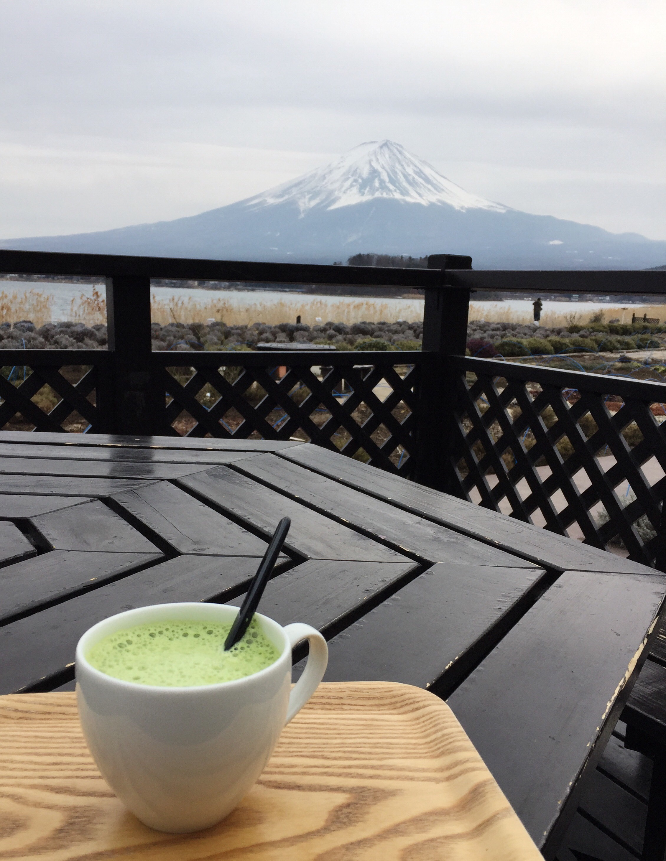 Walk through the neighborhoods and enjoy a matcha latte or a blueberry softee by the tourist center.