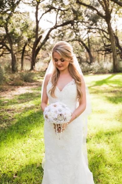 SPRINGS VENUE Houston bridal portrait handmade bouquet
