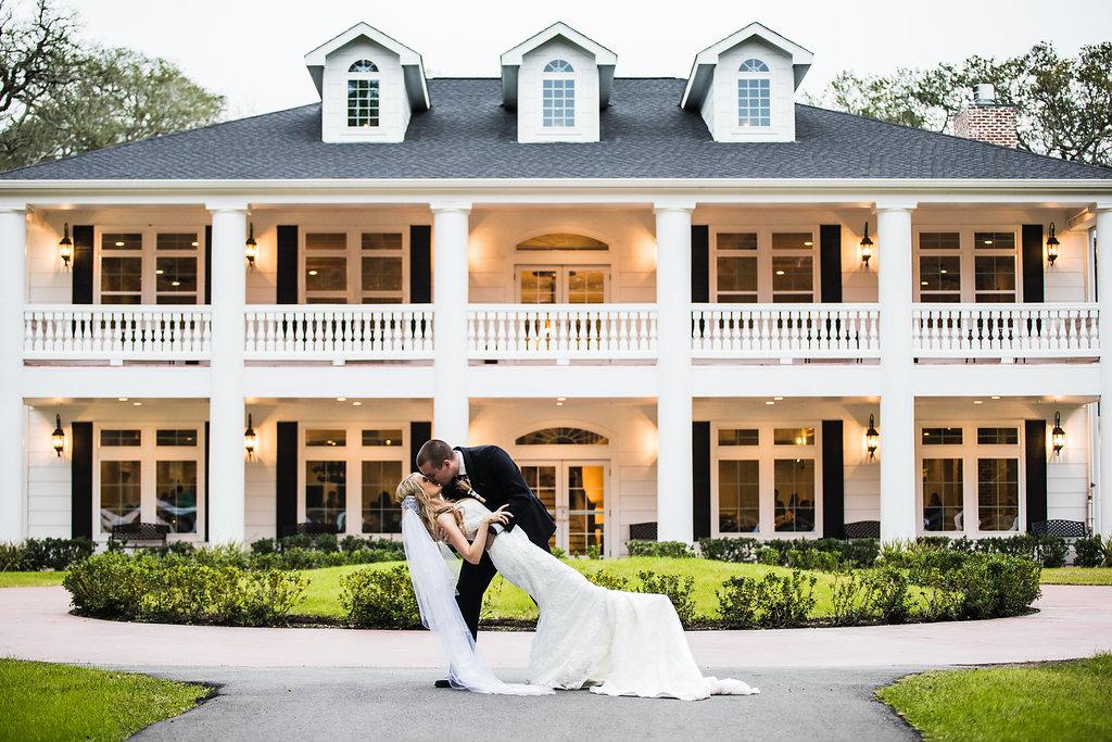 bride and groom photo houston springs venue