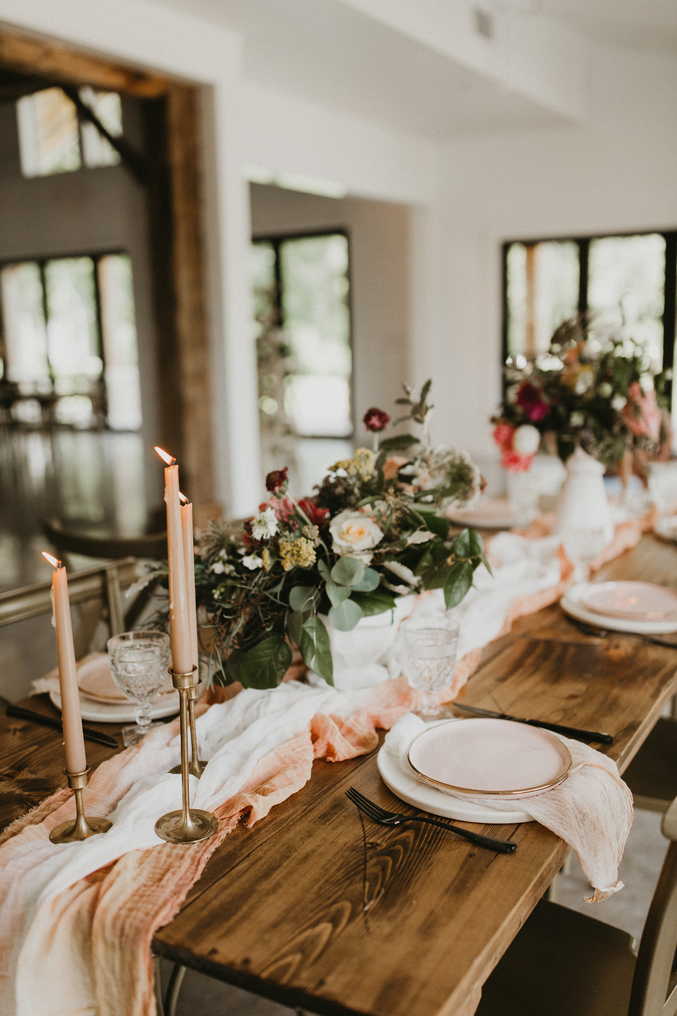 millenial pink peach wedding table college station wedding planner epoch co meekermark