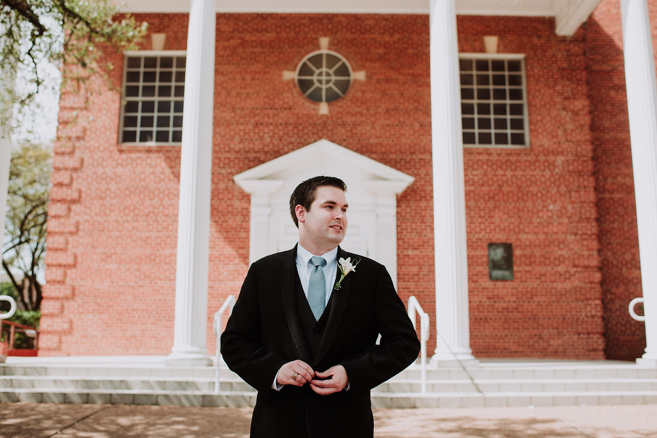 groom wedding day aggie yell leader st marys catholic church college station wedding planner epoch co theo graphics