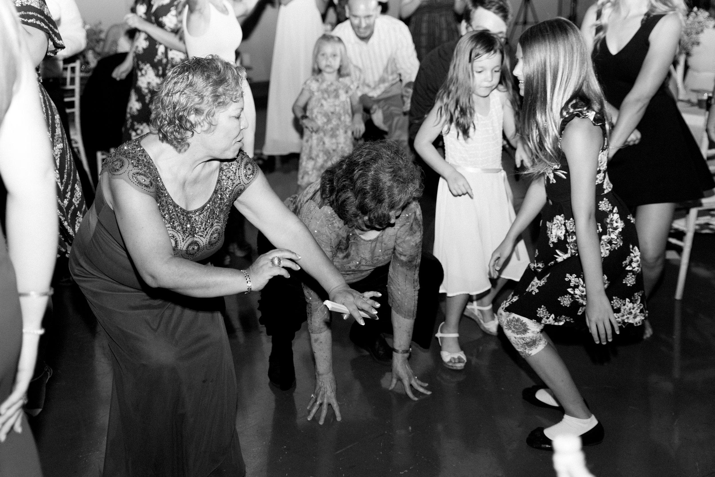 wedding reception dancing canyonwood ridge