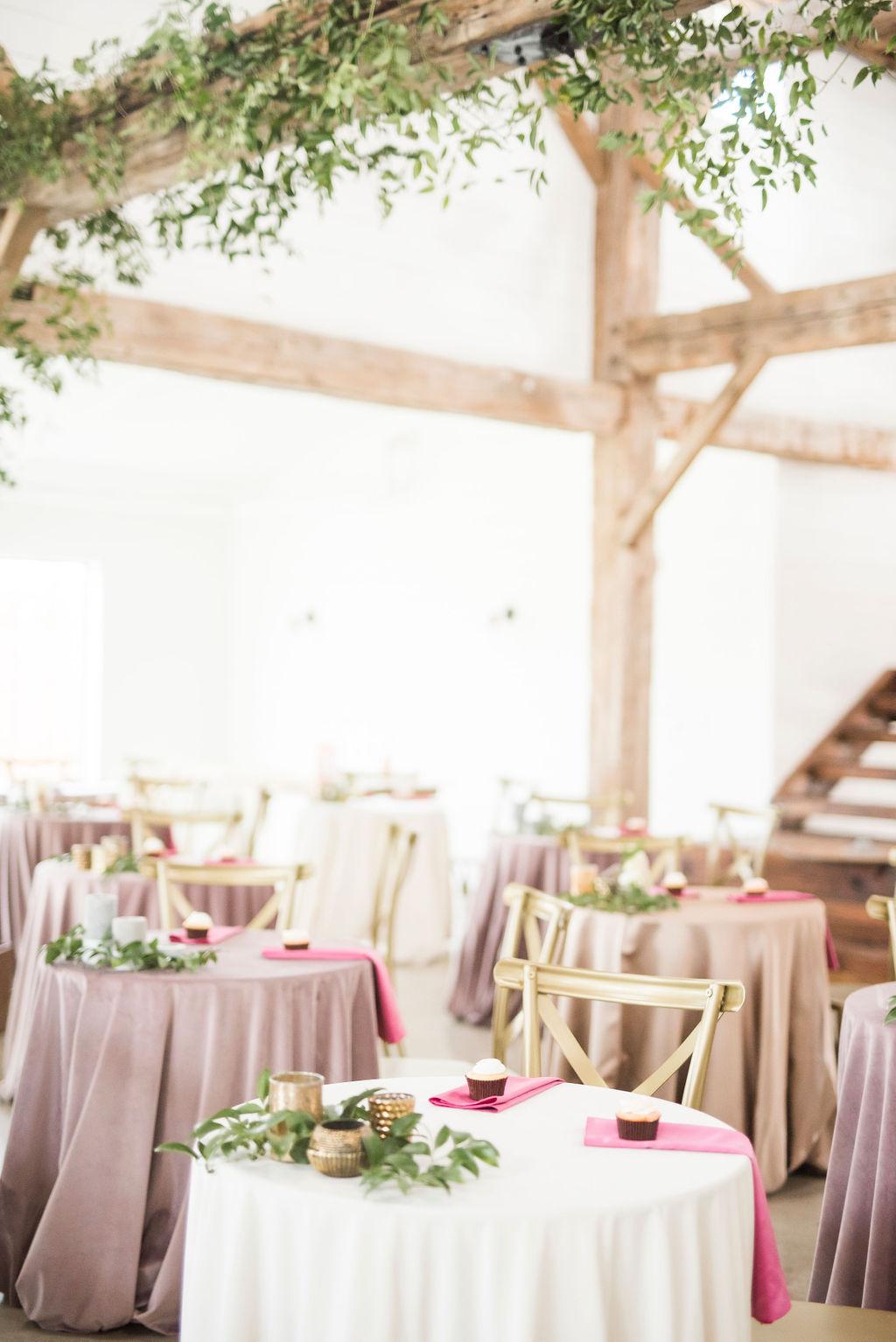 VELVET LINENS WEDDING INSPIRATION THE MEEKERMARK HOUSTON WEDDING VENUE PLANNER DESIGNER EPOCH CO+ DESTINATION WEDDINGS