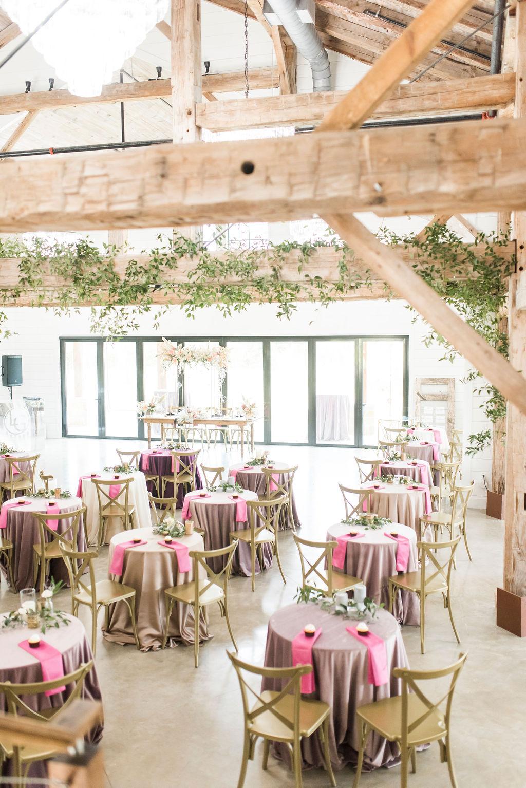 THE MEEKERMARK LAYOUT VELVET WEDDING INSPIRATION EPOCH CO AUSTIN WEDDING PLANNER