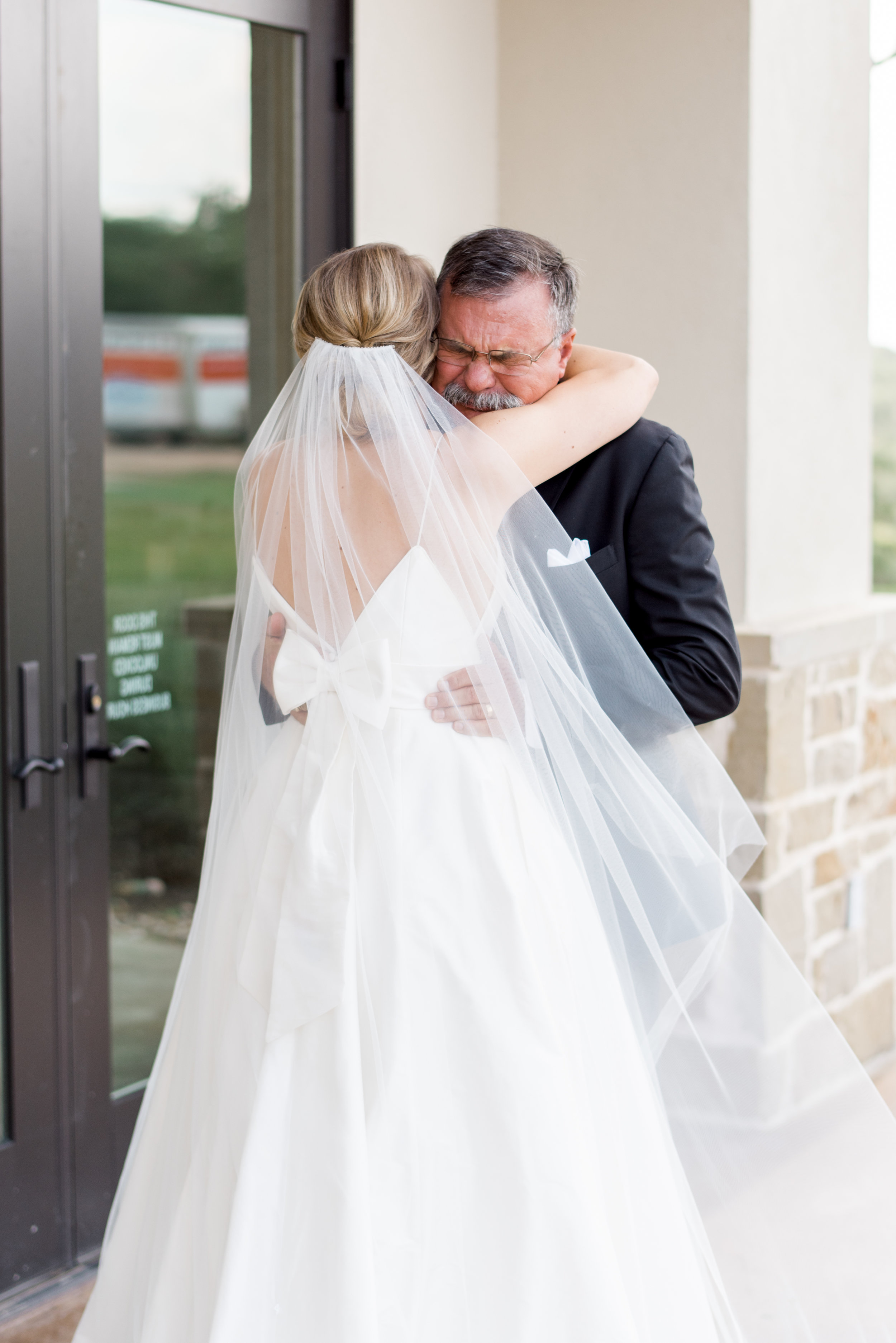 First look with dad wedding day austin wedding venue canyonwood ridge + destination planner coordinator epoch co + photographer erin elizabeth photo