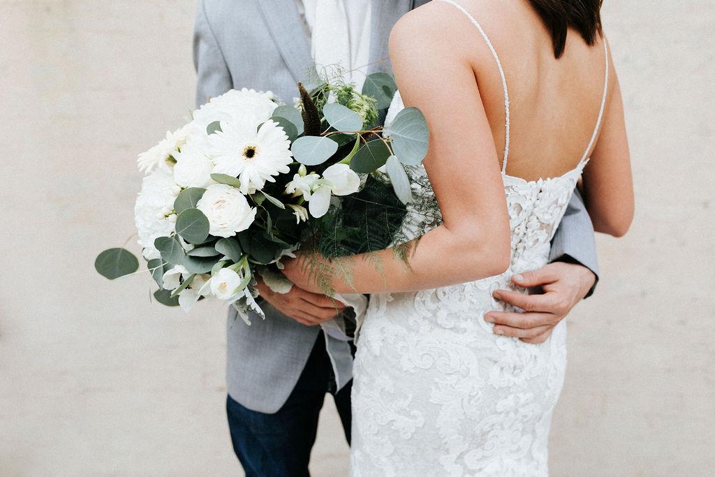 Epoch Co+ Destination wedding planner | First Look Photo Ideas with Groom | Rockin Star Ranch, Brenham Wedding Venue | Velvet + Wire Photography | Austin Wedding Planner | Bridal Bouquet inspiration white green