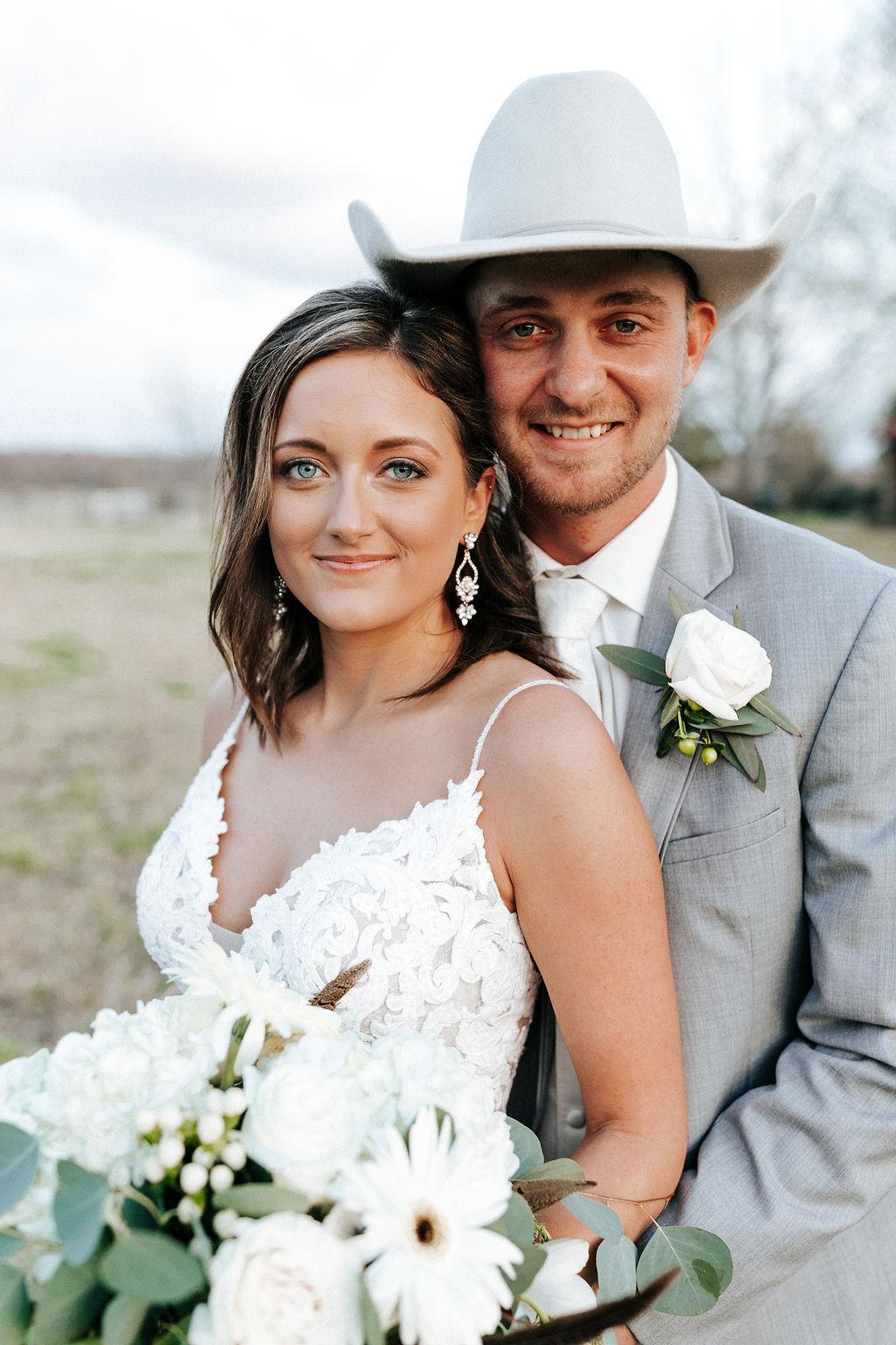 Epoch Co+ Destination wedding planner | First Look Photo Ideas with Groom | Bridal Makeup Hairstyle Jewlery Bouquet Boutonniere | Velvet + Wire Photography | Austin Wedding Planner