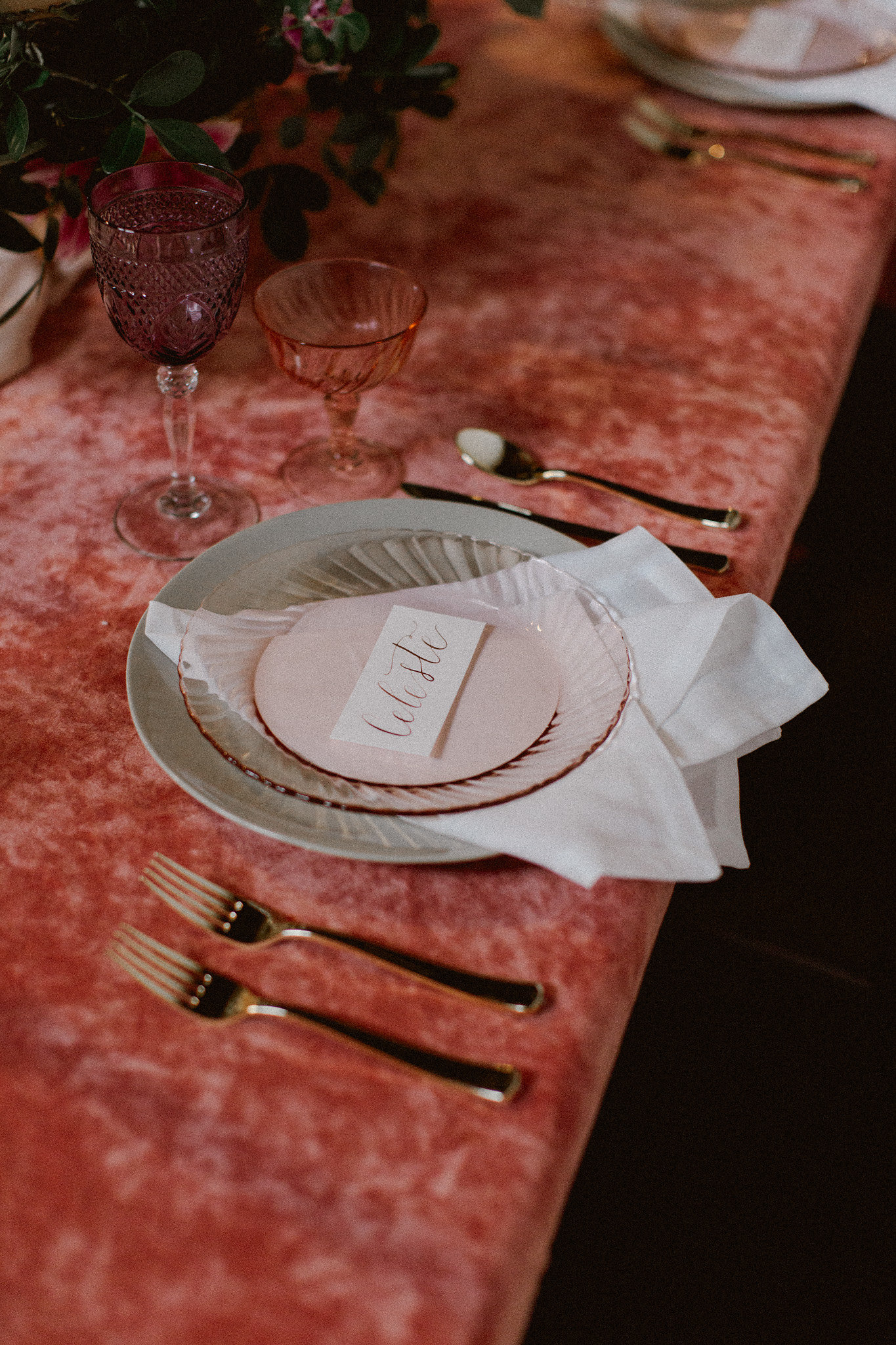 Pink Velvet Table Inspiration | Wedding Venue Ice House on Main | Bryan, Texas | Pink + Purple + Vintage + Romantic + Blush + Daisy + Peony | College Station Wedding Coordinator Epoch Co+