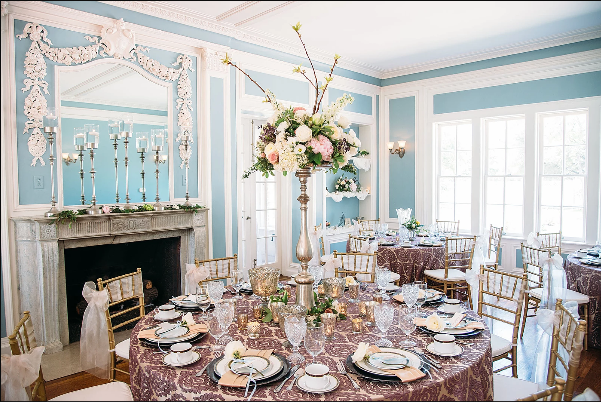 Classic, Wedding Planner, Bryan, Texas, Classic Tablescape, Antique, mansion wedding venue