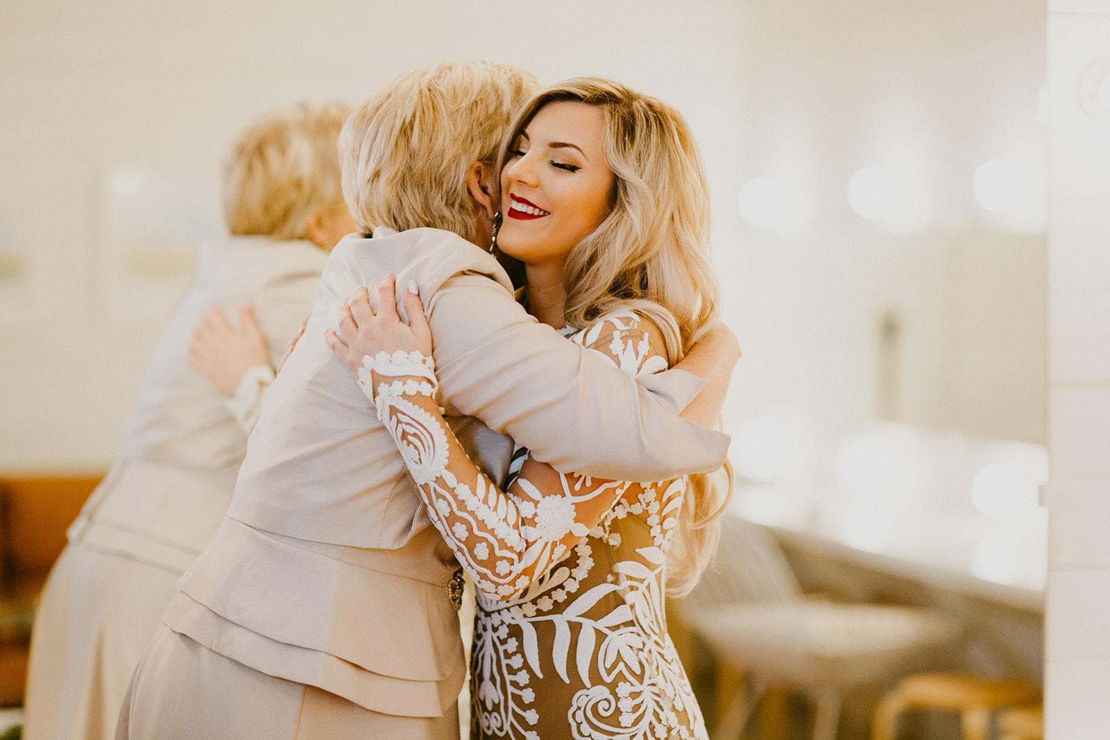 mother daughter getting ready images + photographer century tree + wedding planner epoch co