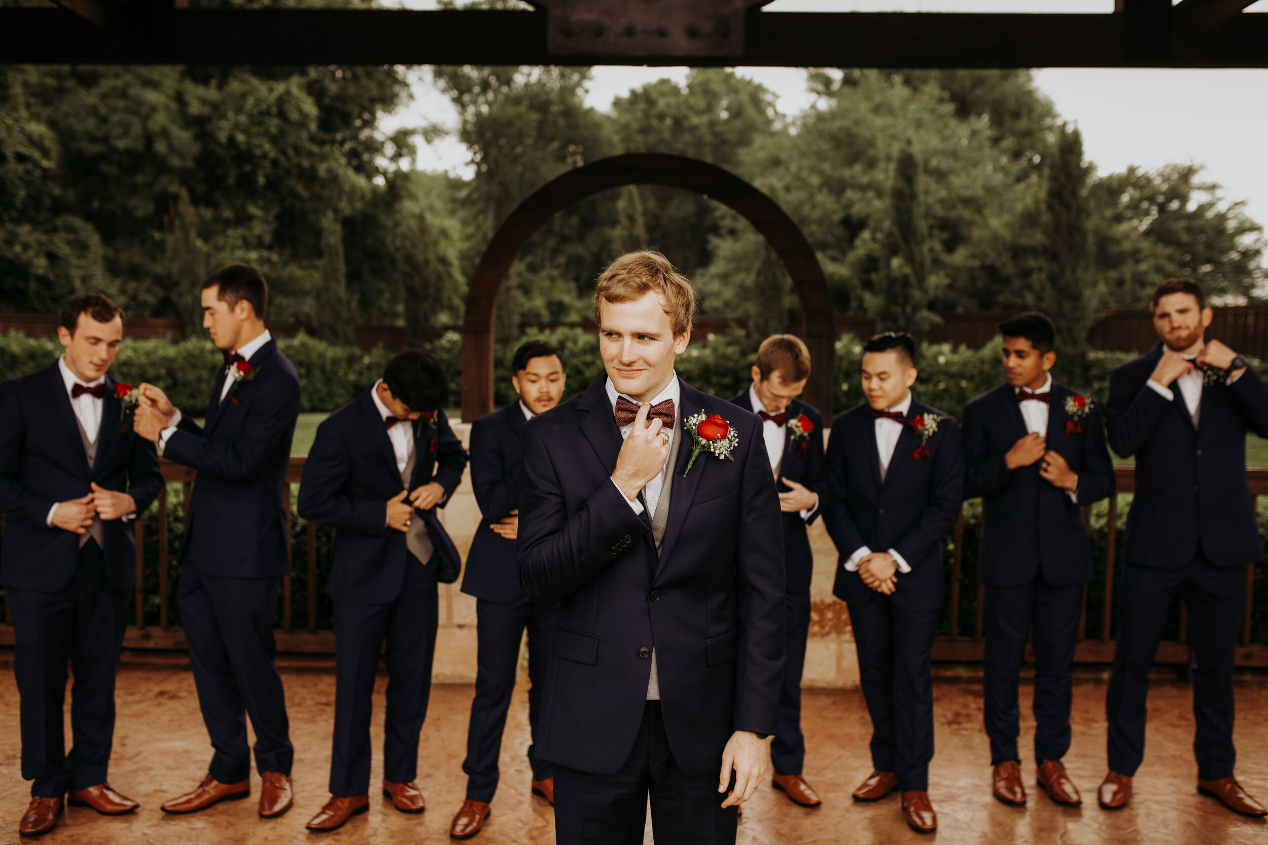 Groom and Groomsmen Picture Ideas || The Springs in Katy, TX || Houston Wedding Planner || Epoch Co+