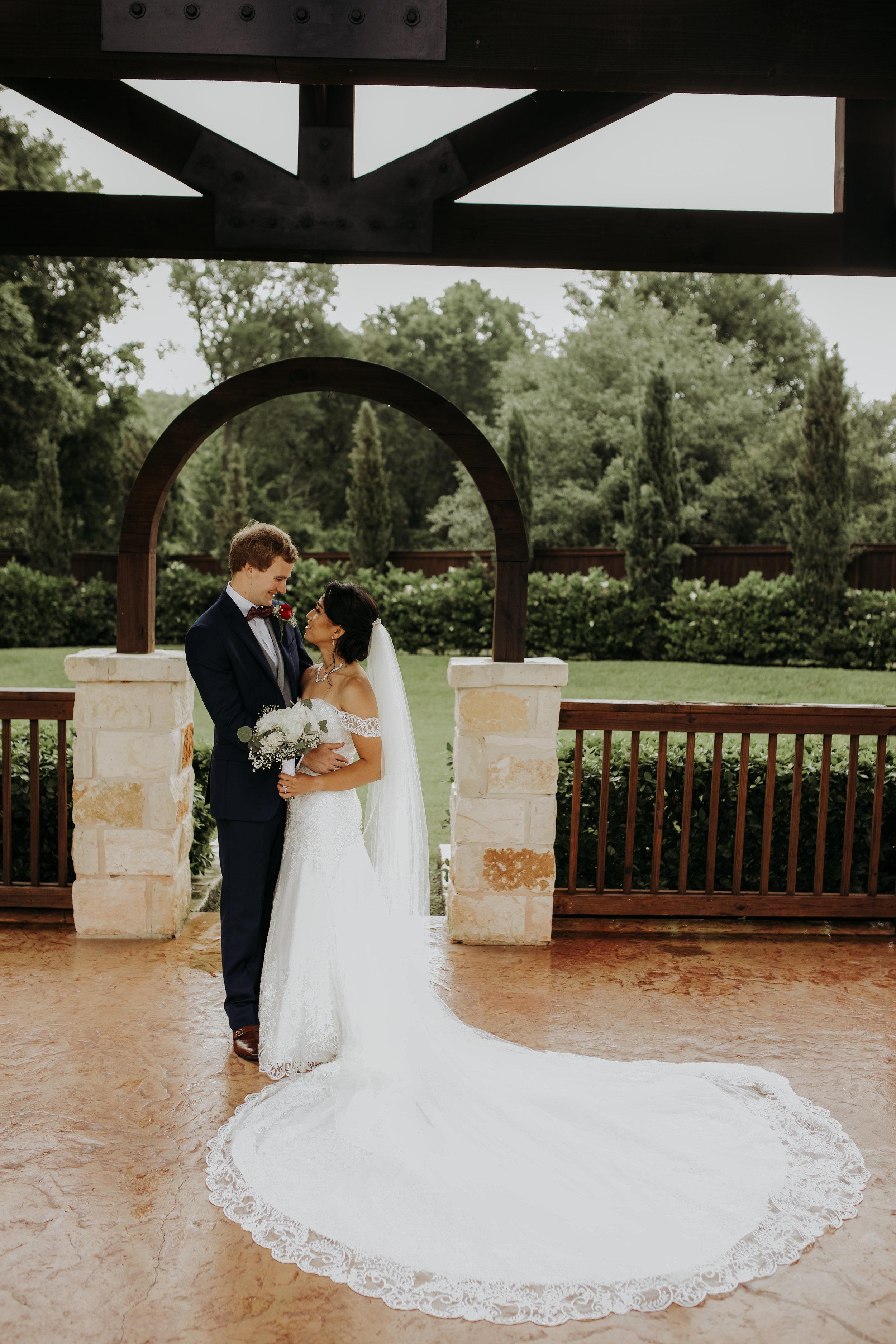Bride and Groom || The Springs in Katy || Houston Planner