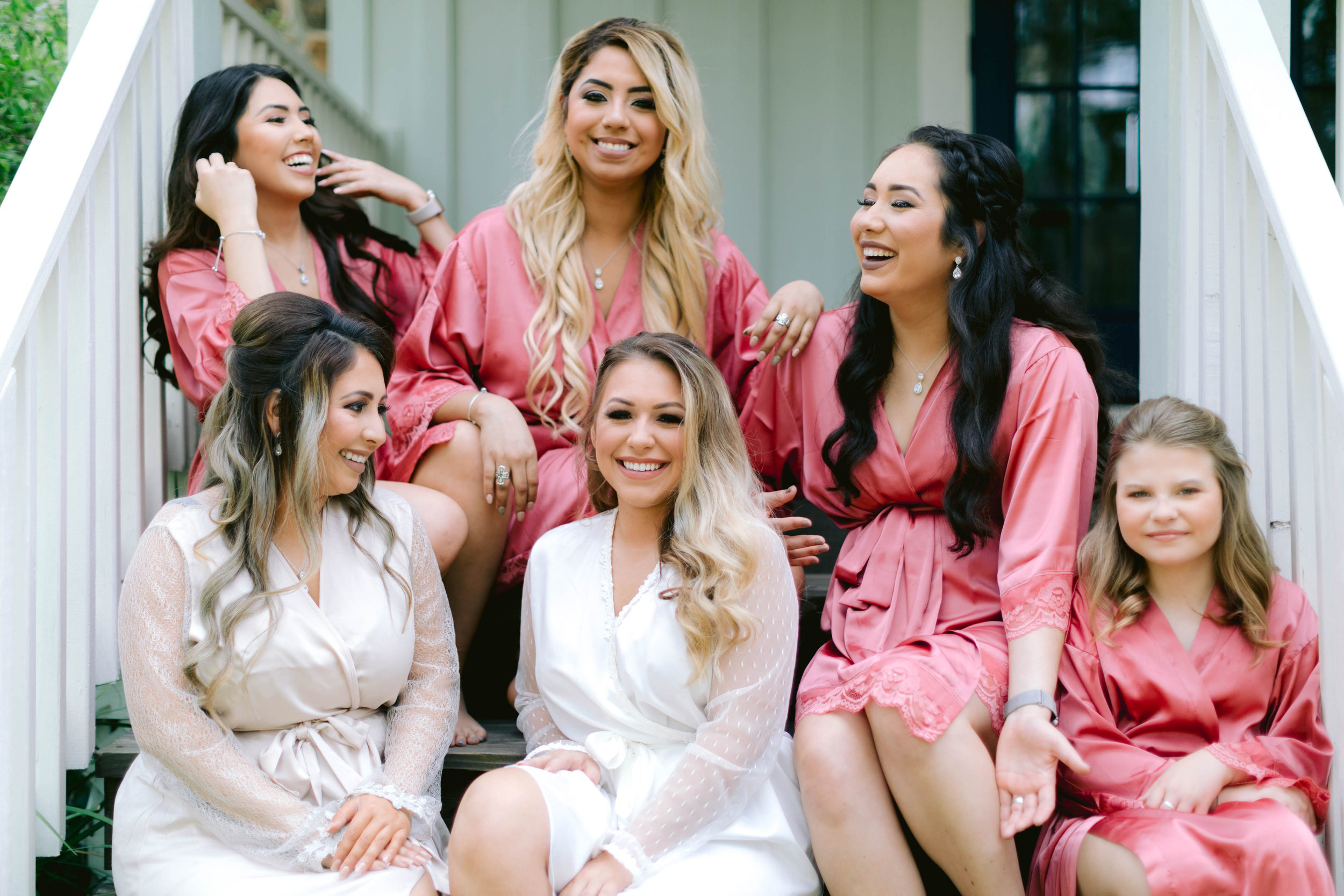 Bride and Bridesmaids Getting Ready || The Vine at New Ulm || Austin Planner