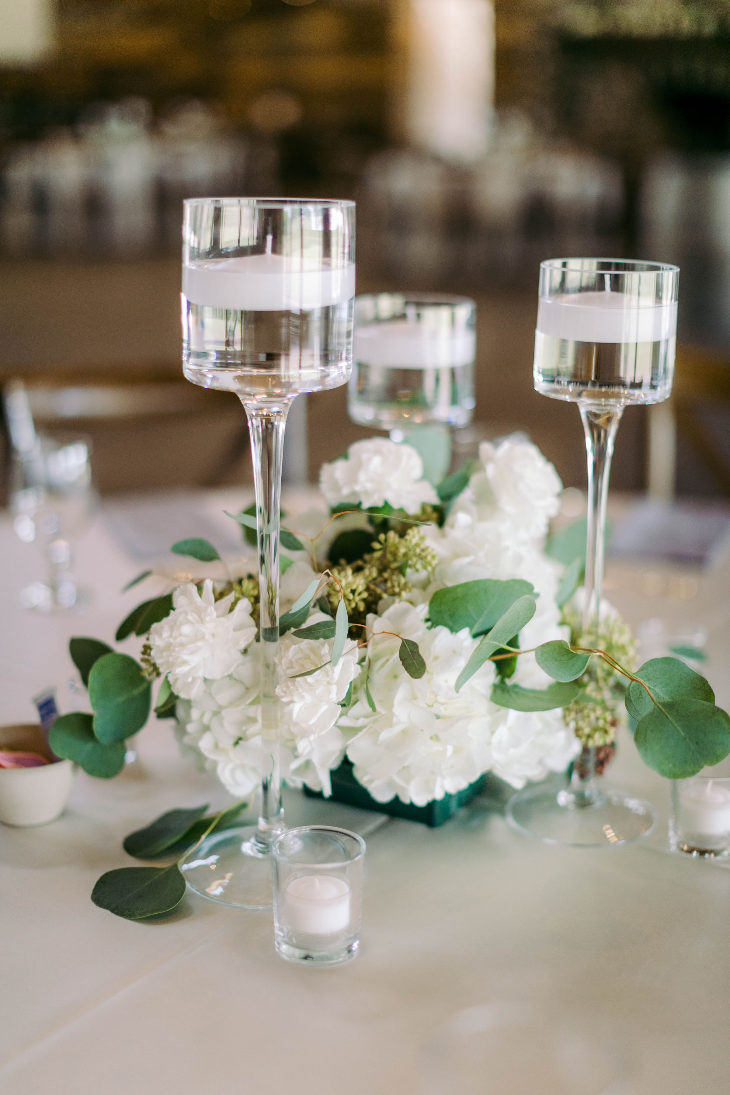 Floating Candle Centerpieces | The Vine at New Ulm | Epoch Co+ | Wedding Planner